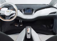 2017 Chevrolet Bolt EV: новинка с инновационным электроприводом