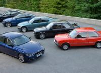 С конвейера BMW сошел легендарный Imperial Blue 320d LCI